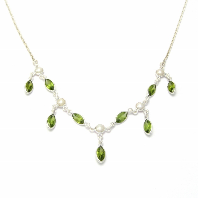 Peridot and pearl silver necklace